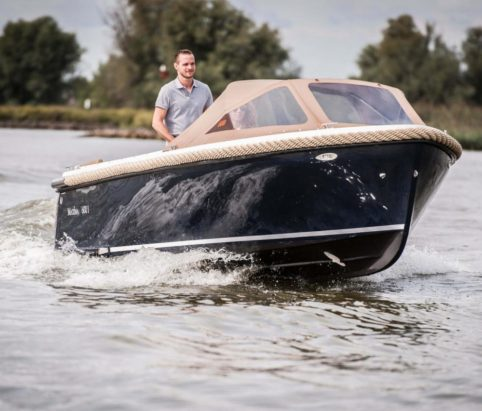 Maxima 600I Sloop with inboard diesel from Marine Tech