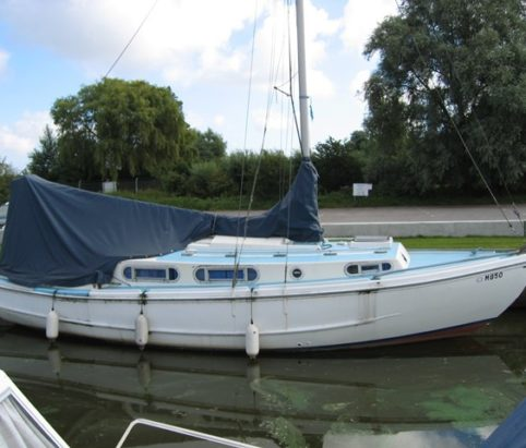 Majestic Lady Broads sailing yacht for sale from Marine Tech