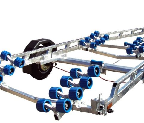 Extreme 1800 swing boat trailer from Marine Tech