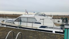 Broom 32 for sale from Marine Tech